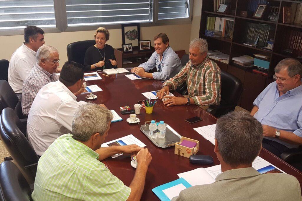 Reunión CCRR del Campo de Cartagena y Consejera de Agricultura